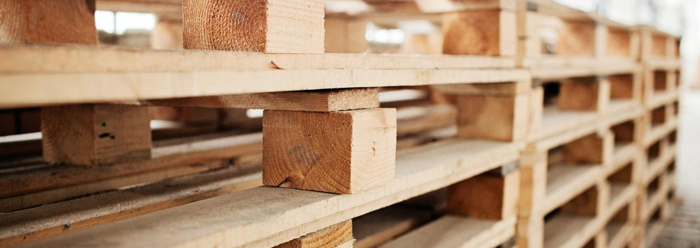 Pallets de madeira semi-novos