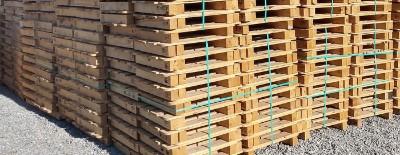 Pallets de madeira de pinus novos e usados